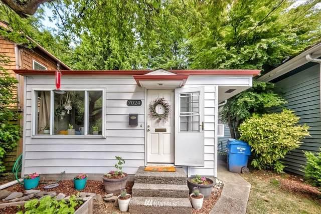 7024 15th Avenue NE, Seattle, WA 98115 (#1786134) :: Northern Key Team