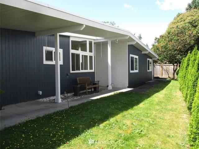 3223 103rd Avenue NE, Bellevue, WA 98004 (#1787393) :: Ben Kinney Real Estate Team