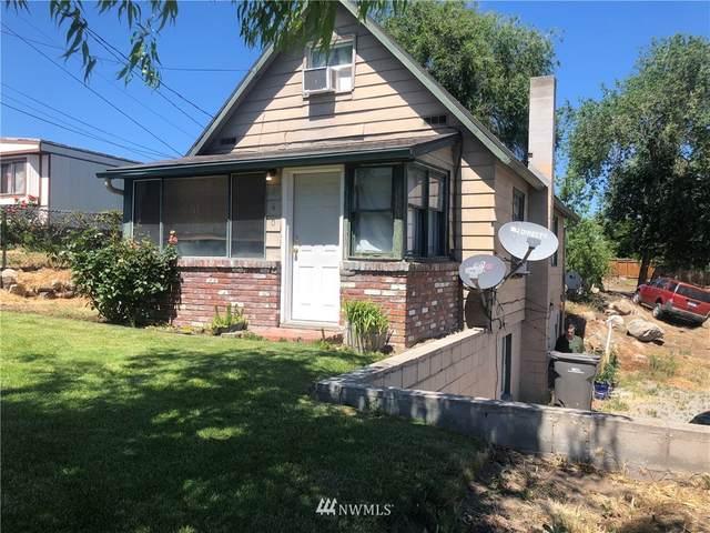 140 Crawford Avenue, Wenatchee, WA 98801 (#1787649) :: Ben Kinney Real Estate Team