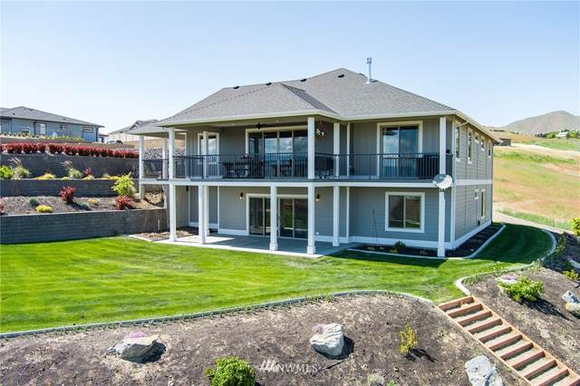 866 Autumn Crest Drive, Wenatchee, WA 98801 (#1787665) :: Simmi Real Estate