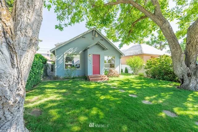 507 E Wapato Avenue, Chelan, WA 98816 (#1787949) :: Canterwood Real Estate Team