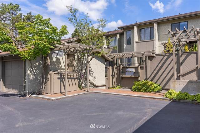 5876 NE Parkpoint Place, Seattle, WA 98115 (#1788463) :: The Kendra Todd Group at Keller Williams