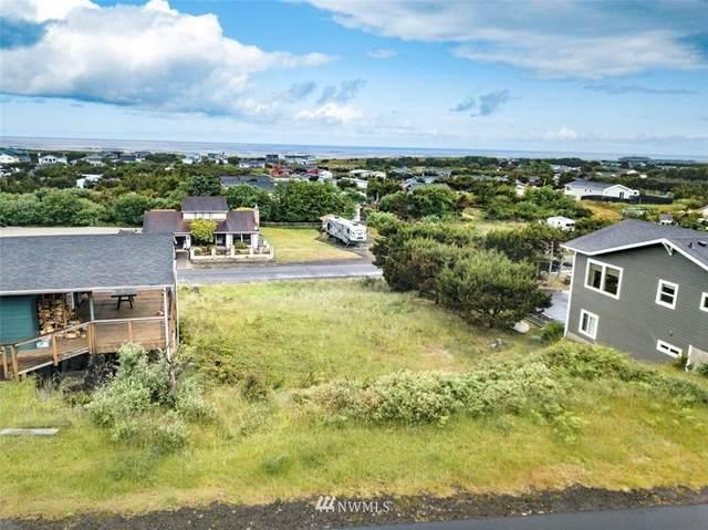 34901 J Pl, Ocean Park, WA 98640 (#1788995) :: Keller Williams Western Realty