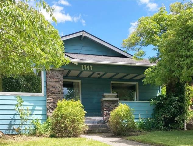 1747 Lafromboise Street, Enumclaw, WA 98022 (#1788999) :: Keller Williams Western Realty