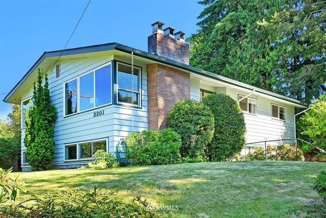 3201 NE 105th Street, Seattle, WA 98125 (MLS #1789078) :: Community Real Estate Group