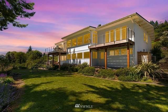17328 Sylvester Road SW, Burien, WA 98166 (#1789184) :: McAuley Homes