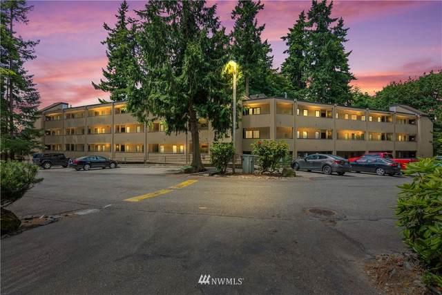 10819 NE 37th Place #103, Bellevue, WA 98004 (#1789365) :: Keller Williams Western Realty