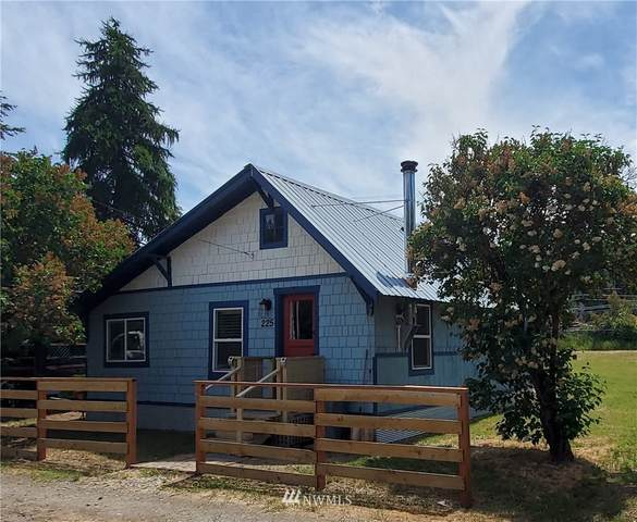 225 Cleveland Street, Cle Elum, WA 98922 (#1789524) :: The Kendra Todd Group at Keller Williams