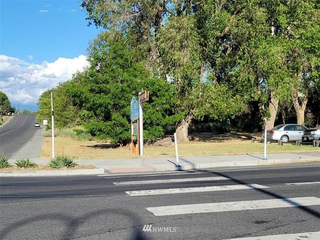 419 Main Avenue E, Soap Lake, WA 98851 (#1789731) :: Keller Williams Western Realty
