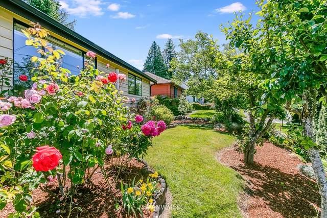 11232 Crestwood Drive S, Seattle, WA 98178 (#1789893) :: NextHome South Sound