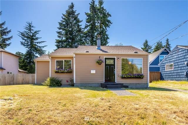 15541 27th Avenue NE, Shoreline, WA 98155 (#1790192) :: Beach & Blvd Real Estate Group