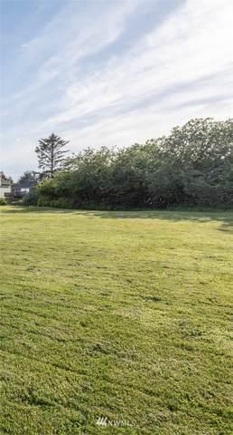 343 Canal Drive NE, Ocean Shores, WA 98569 (#1790237) :: Mike & Sandi Nelson Real Estate