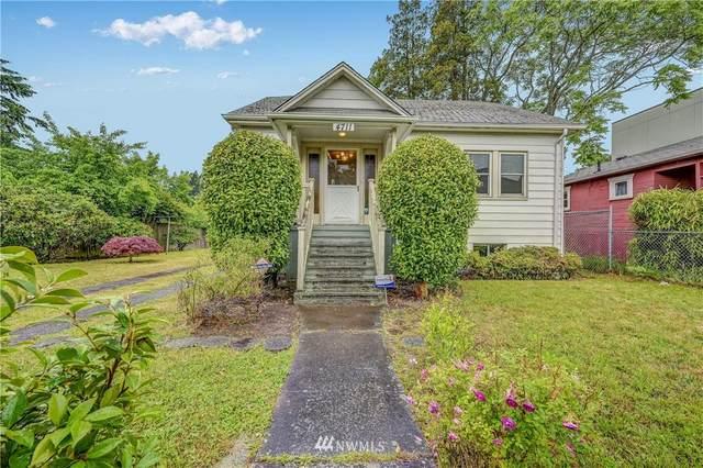 4711 25th Avenue SW, Seattle, WA 98106 (#1790436) :: Ben Kinney Real Estate Team