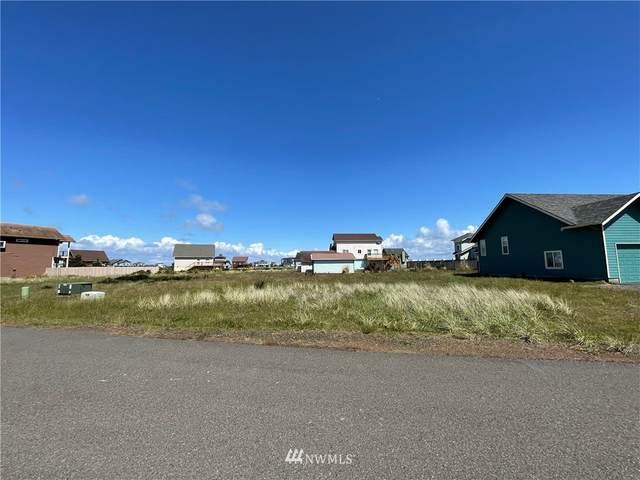 1484 Tradewind Avenue SW, Ocean Shores, WA 98569 (#1790810) :: Mike & Sandi Nelson Real Estate