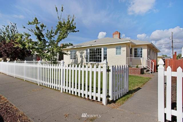1026 W Gem Avenue, Moses Lake, WA 98837 (MLS #1791457) :: Nick McLean Real Estate Group