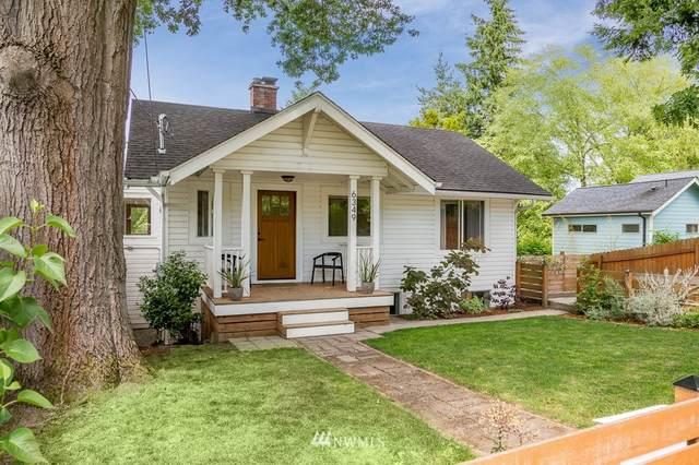 6349 51st Avenue S, Seattle, WA 98118 (#1791684) :: Beach & Blvd Real Estate Group