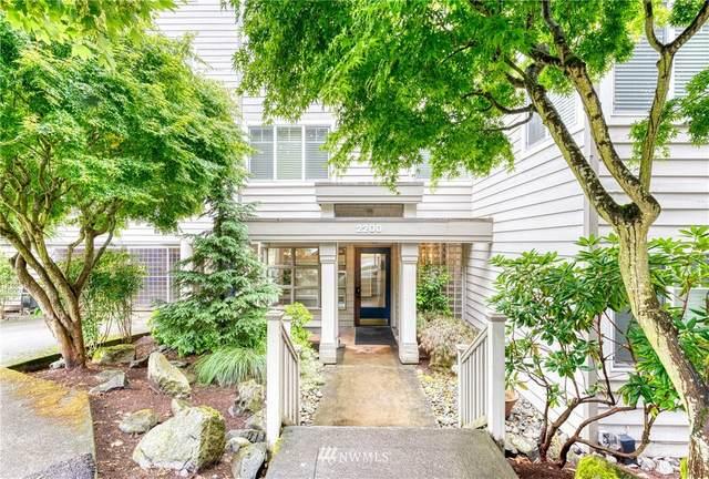 2200 Thorndyke Avenue W #207, Seattle, WA 98199 (#1792581) :: Northwest Home Team Realty, LLC
