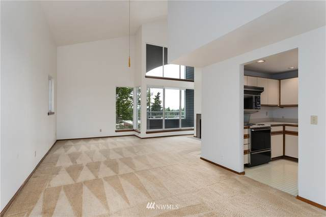 2350 10th Avenue E #211, Seattle, WA 98102 (#1792622) :: Beach & Blvd Real Estate Group