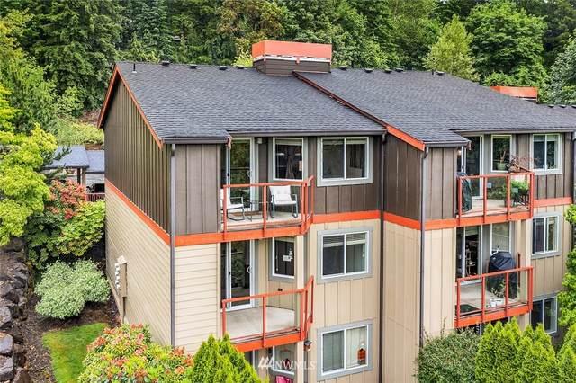 11058 NE 33rd Place D-12, Bellevue, WA 98005 (#1793136) :: Shook Home Group