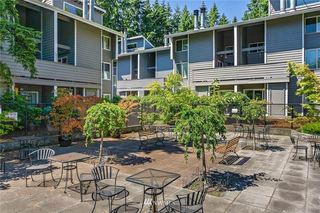 3009 127th Place SE C-11, Bellevue, WA 98005 (#1793625) :: Pacific Partners @ Greene Realty