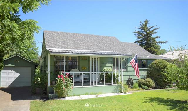 614 SW 2nd Street, College Place, WA 99324 (#1793888) :: The Kendra Todd Group at Keller Williams
