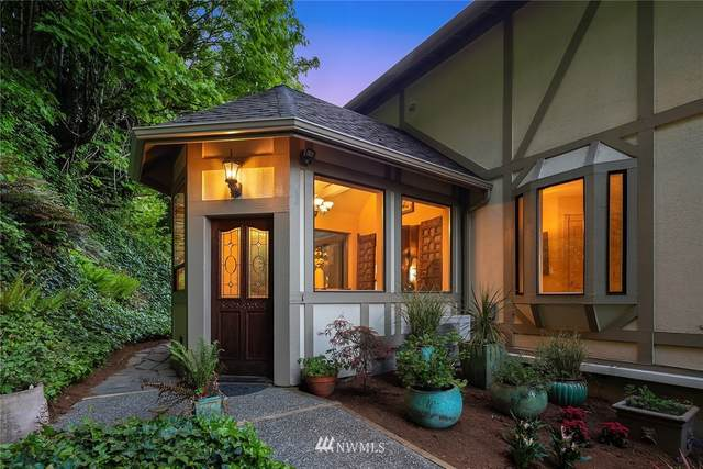 2317 SW Harbor Avenue, Seattle, WA 98126 (#1794582) :: Costello Team