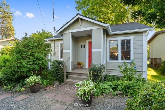 11045 Phinney Avenue N, Seattle, WA 98133 (#1795172) :: Icon Real Estate Group
