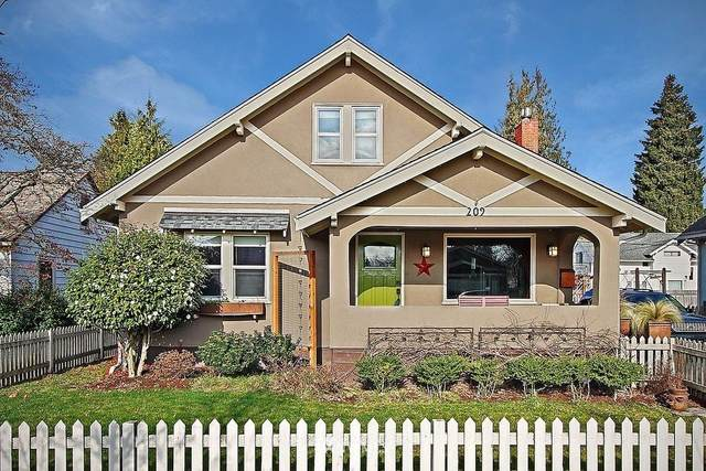 209 7th Avenue NW, Puyallup, WA 98371 (#1795301) :: Beach & Blvd Real Estate Group
