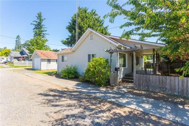 204 Cedar Street, Lynden, WA 98264 (#1795391) :: Keller Williams Western Realty
