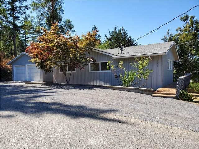 545 Geneste Street, San Juan Island, WA 98250 (#1795858) :: Pickett Street Properties