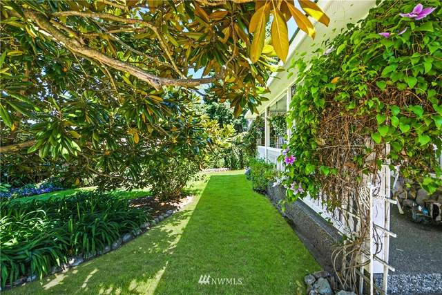 700 41st Place, Anacortes, WA 98221 (MLS #1796795) :: Brantley Christianson Real Estate