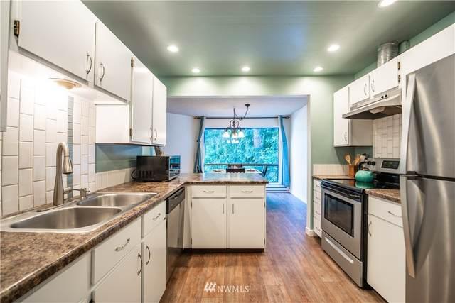 13739 15th Avenue NE B9, Seattle, WA 98125 (#1797087) :: Better Properties Lacey