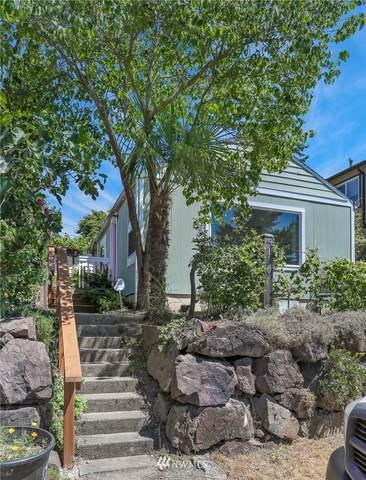 8110 14th Avenue SW, Seattle, WA 98106 (#1797350) :: Keller Williams Western Realty