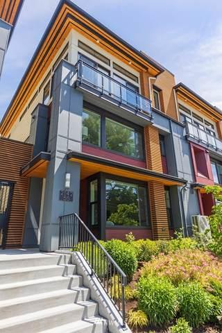2142 10th Avenue W #55, Seattle, WA 98119 (#1798061) :: NextHome South Sound