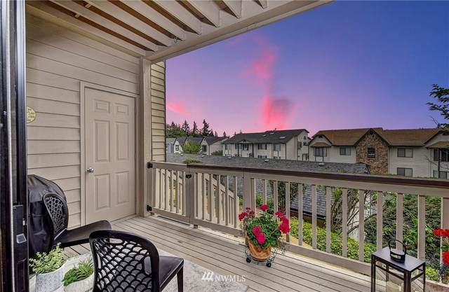 3414 161st Court SE C14, Bellevue, WA 98008 (#1798077) :: Alchemy Real Estate
