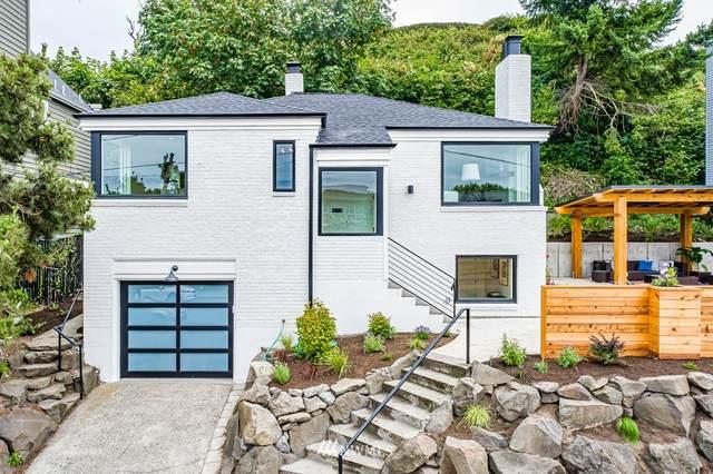 3136 Alki Avenue SW, Seattle, WA 98116 (#1800053) :: Ben Kinney Real Estate Team