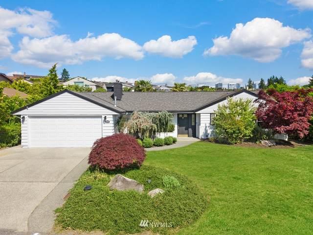930 Sunset Way, Bellevue, WA 98004 (#1800753) :: Keller Williams Realty