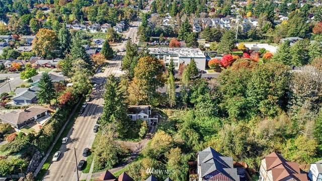 2444 SW Holden St, Seattle, WA 98106 (#1802512) :: Alchemy Real Estate