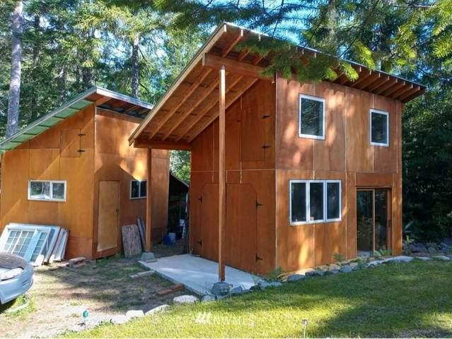 880 NE Collins Lake Drive, Tahuya, WA 98588 (#1803287) :: Stan Giske
