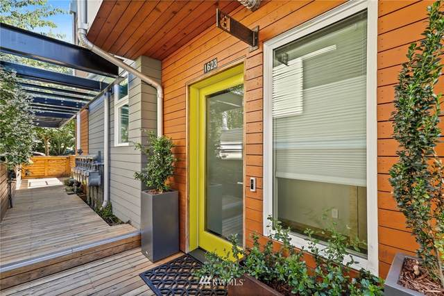 1623 14th Avenue B, Seattle, WA 98122 (#1803926) :: Priority One Realty Inc.