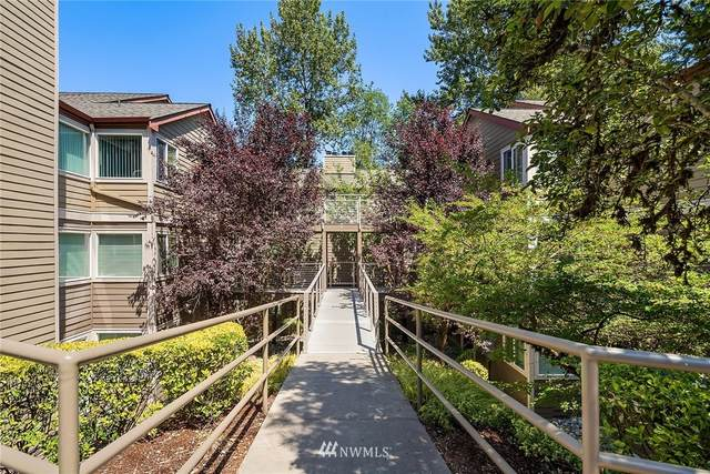700 Front Street S D-210, Issaquah, WA 98027 (#1804755) :: Keller Williams Realty