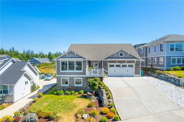 3909 Rockridge Parkway, Anacortes, WA 98221 (#1805945) :: Alchemy Real Estate