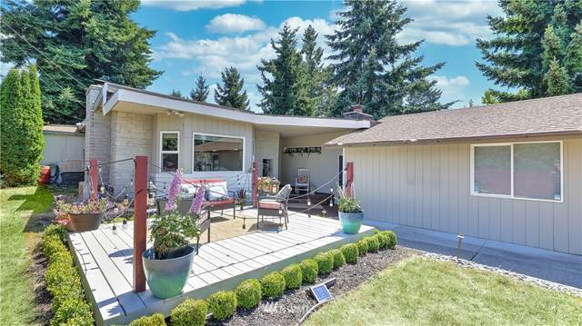 16030 19th Avenue SW, Burien, WA 98166 (#1806304) :: The Kendra Todd Group at Keller Williams