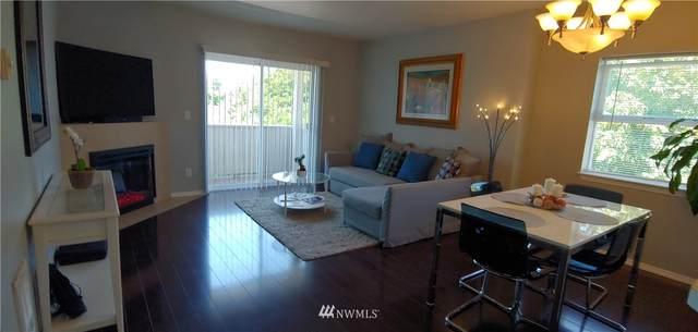 11424 1st Avenue S #305, Seattle, WA 98168 (#1806726) :: Keller Williams Western Realty