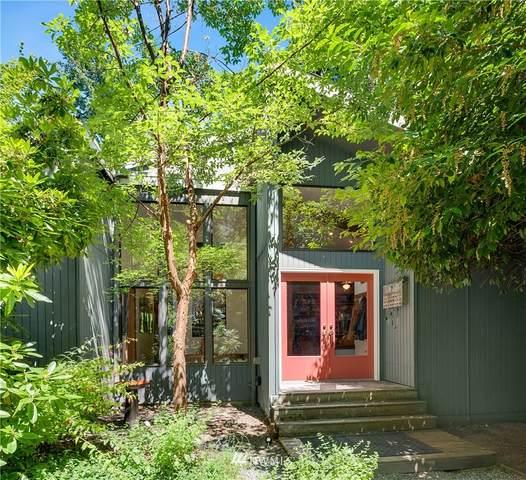 11744 Olympic Terrace Avenue NE, Bainbridge Island, WA 98110 (#1806855) :: Keller Williams Western Realty