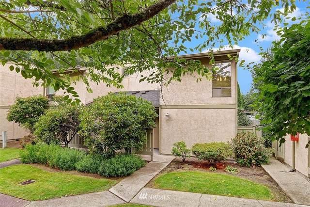 10048 NE 138th I-1, Kirkland, WA 98034 (#1806963) :: Icon Real Estate Group