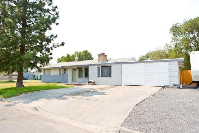 1718 W Lakeside Drive, Moses Lake, WA 98387 (#1808353) :: Keller Williams Realty