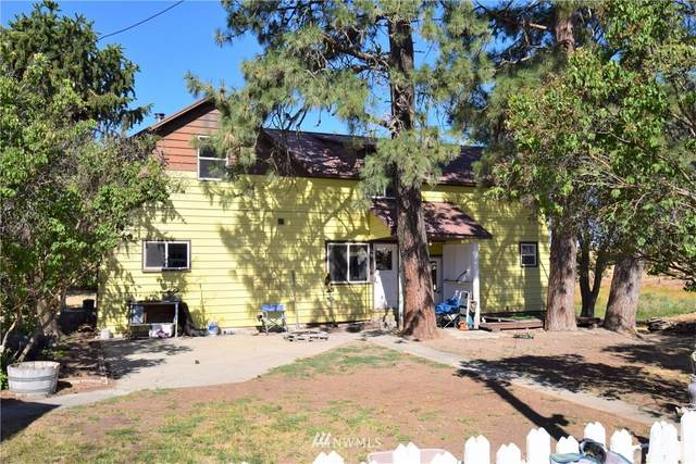 230 N Division Road, Waterville, WA 98858 (#1809071) :: Shook Home Group