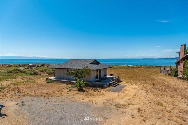 4481 N Moran Beach Lane, Oak Harbor, WA 98277 (#1809599) :: Ben Kinney Real Estate Team