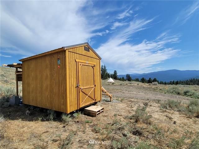 63 W High Country Drive, Tonasket, WA 98855 (#1810404) :: Keller Williams Realty